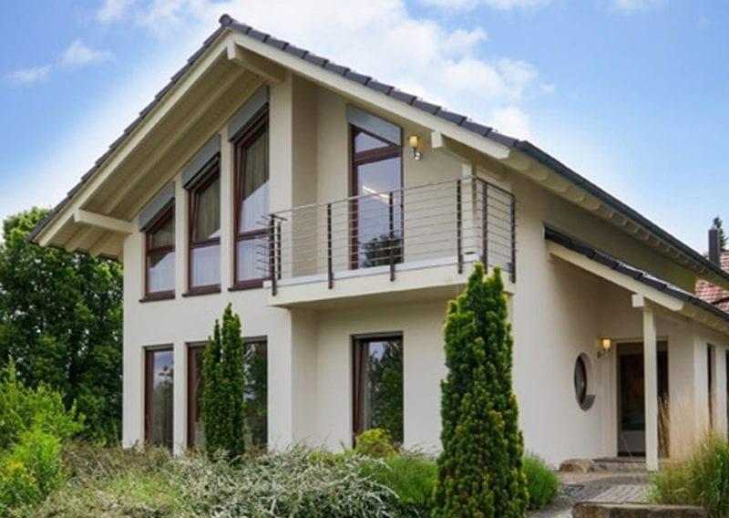 WBI Hausbau weisses Einfamilienhaus